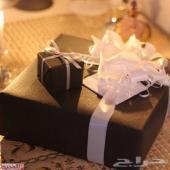مندوب توصيل وتغليف وشراء الهدايا وتجهيزها