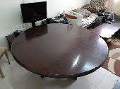 طاولة اجتماعات دائرية
