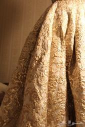 فستان ملكة للبيع