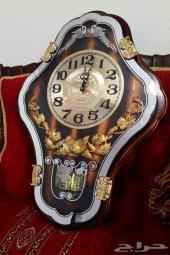 ساعة حائط قديمة