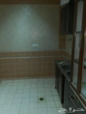 للايجارشقق عوائل 3 غرف وصالةبالسطح(شرق الرياض