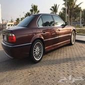 للبيع الفئة السابعة BMW نظيف جدا 2001