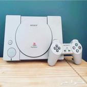 بلايستيشن ون مع اكثر من 200 لعبة PS1