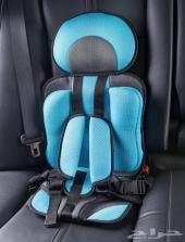 مقعد امان للطفل في السياره
