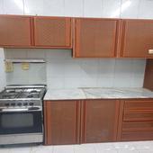 مطبخ مستعمل مع الغاز للبيع