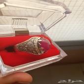 خاتم ياقوت مع تفصيل الفضة