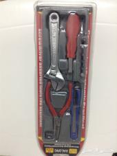 ادوات للبيع