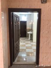 شقه ثلاث غرف حي الاجاويد نظيفه جدا