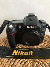 كاميرا نيكون D90 الاحترافيه