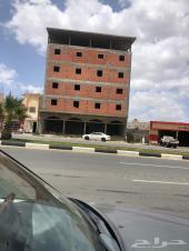عمارة للايجار ومحلات على الشارع العام تنومه