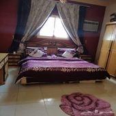 غرفة نوم شامل الستائر والمفرشة
