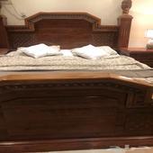 غرفة نوم فاخرة للبيع سرير دولاب كومدينات