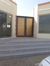 مجمع تجاري وسكني امام بوابة الجامعه بنجران
