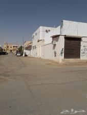 للبيع بيت في حي الصالحيه مكون. ثلاثه ادوار