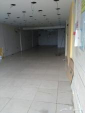 محلات بمساحات مختلفة للايجار شرق كبري المربع