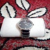 ساعة جديده غير مستعمله للبيع