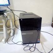 كمبيوتر مكتبي نظيف