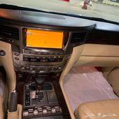 للبيع جيب لكزس 2010 بريمي ماشي 186 الف كيلو