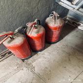 خمس طفايات حريق لم تستخدم نهائيا