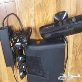 اكس بوكس 360 مهكر معه 4 أيادي وكاميرا و30لعبة