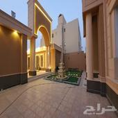 قصر فاخر في الملقا مساحه 1500 ثلاث شوارع
