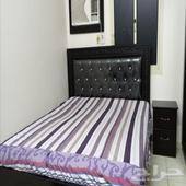 سرير نوم مع مرتبه وكوميدينو وتسريحه