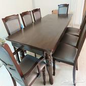 طاولة طعام من هوم سنتر 8كراسي للبيع