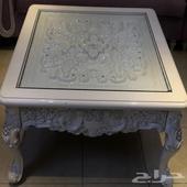 طاولة كلاسيكية