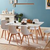 طاولة طعام بسعة 6 مقاعد