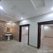 ملحق فاخر مع سطح مستقل وشقة 4 غرف بسعر ممتاز