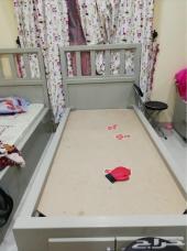 للبيع غرفتين نوم أطفال
