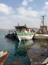 قارب صيد خشب مغطى بالفايبر جلاس 20متر للبيع