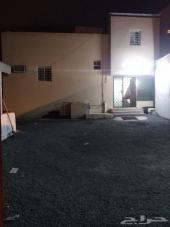 عماره مع بيت شعبي وحوشَ