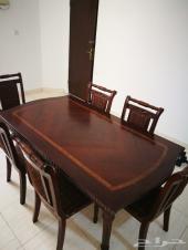 طاولة طعام ماليزيه