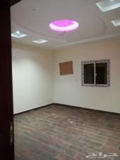 شقة 4 غرف ملحق في فلة مع السطح