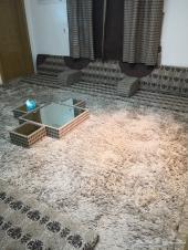 كنب مجلس أرضي رائع ونظيف