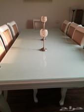 طاولة للبيع نظيفة جدا