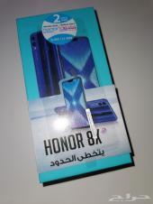جوال HONOR 8x مستعمل نظيف وضمان سنتين