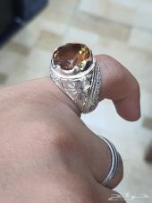 خاتم حجر السلطانيات متغير اللون