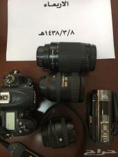 للبيع كاميرا نيكون D7000 مع عدساتها