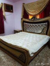 غرفة نوم و3 مكيفات للبيع في خميس مشيط