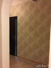 شقة 4 غرف وصالة دور اول للايجار بالحمراء