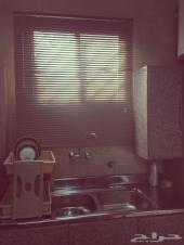 مطبخ للبيع إستعمال نظيف و ممتاز .