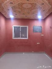 شقة عزاب مميزة بالرياض حي  اليرموك 3 غرف  وحم