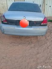 سيارة بحقل للتشليح فورد جراند ماركيز