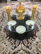 طاولة مع اربع كراسي ماليزي