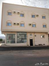 عماره في شارع تجاري للإيجار