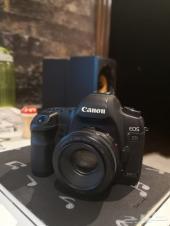 للبيع كاميرا كانون 5d II و عدسة 50mm F1.8
