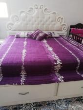 سرير نفرين بحالة ممتازة