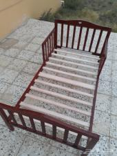 سرير خشبي اطفال للبيع